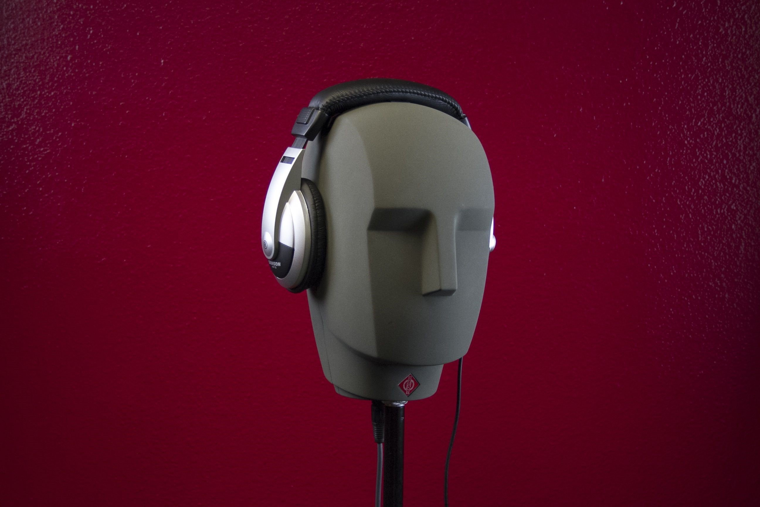 dummy headphones_edited